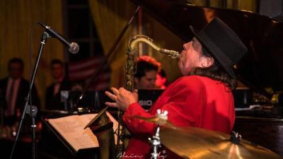 Didier Marty, chant et saxophone